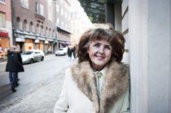 Elisabet Höglund: Därför är kulten kring Tegnell pervers